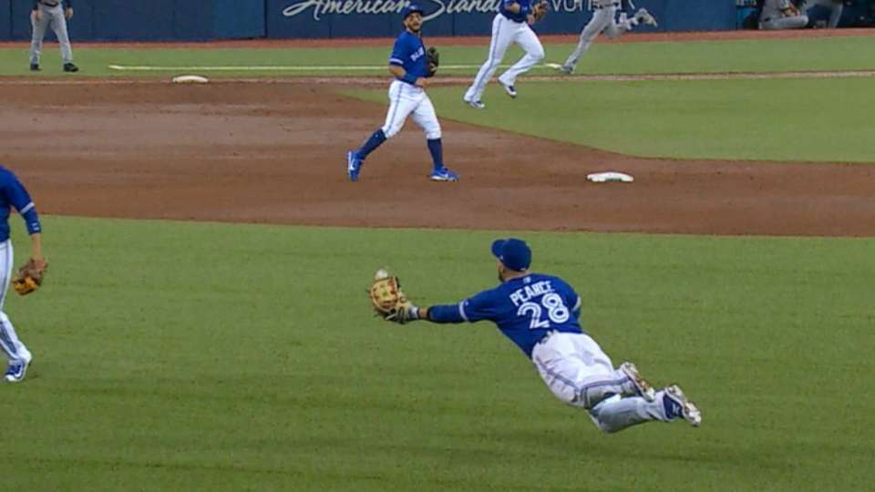 Pearce's amazing diving catch