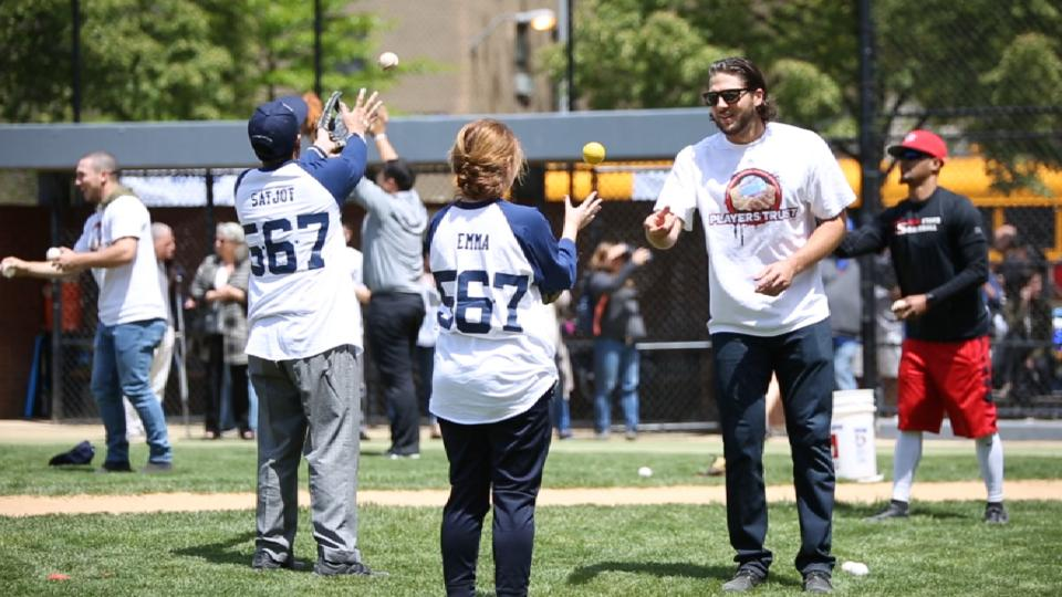 Astros attend autism event in NY