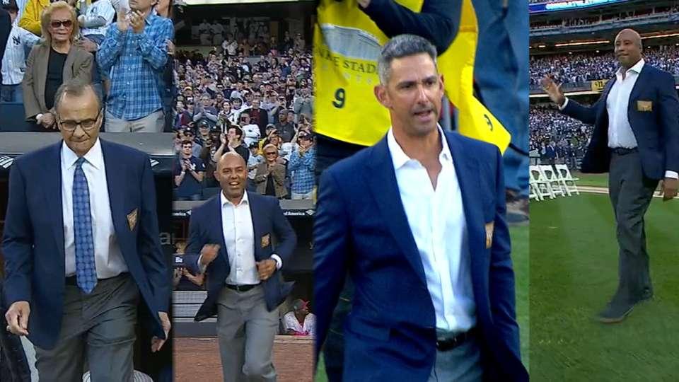 Yankees legends get introduced