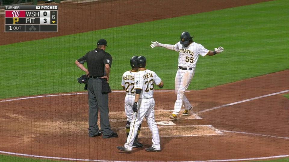 Bell's three-run homer