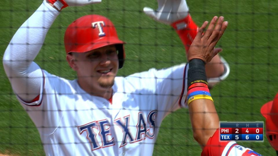 Rangers pile on five in the 5th