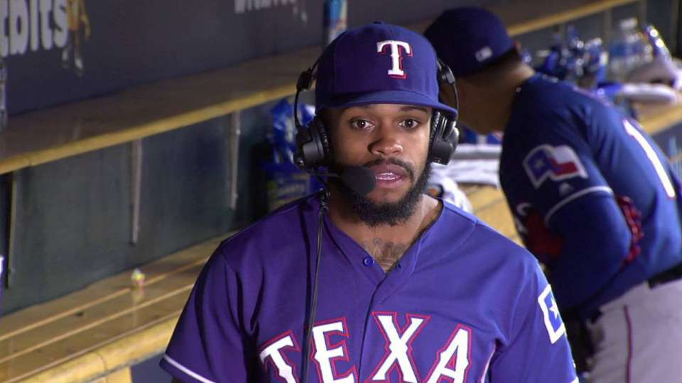 DeShields on 10th straight win