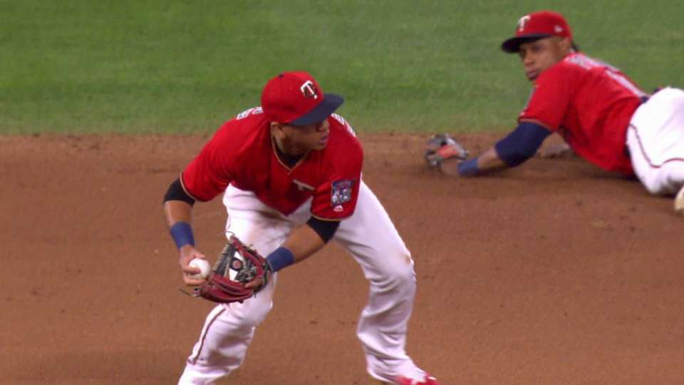 Adrianza's great play