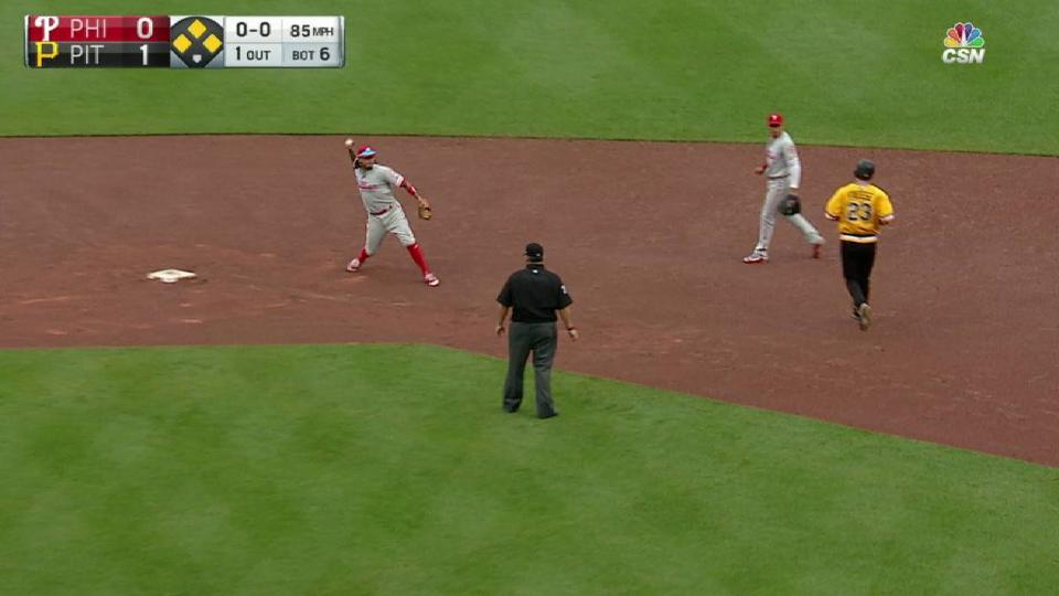 Phillies turn two, escape jam