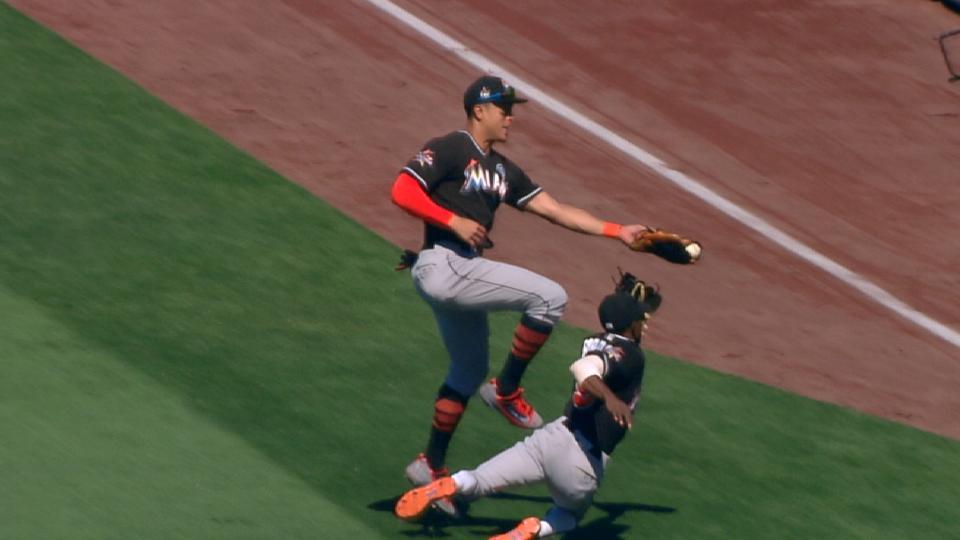 Must C: Stanton's jumping catch