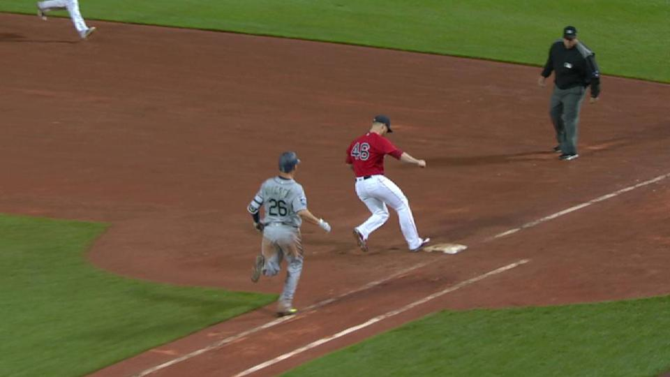 Moreland's diving play