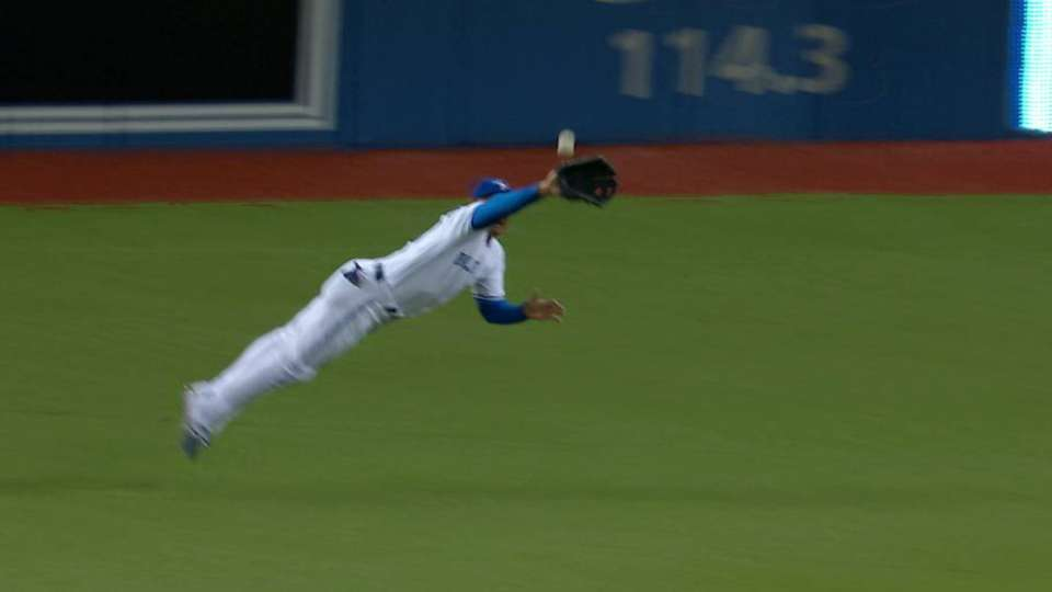 Carrera's diving grab in the 7th