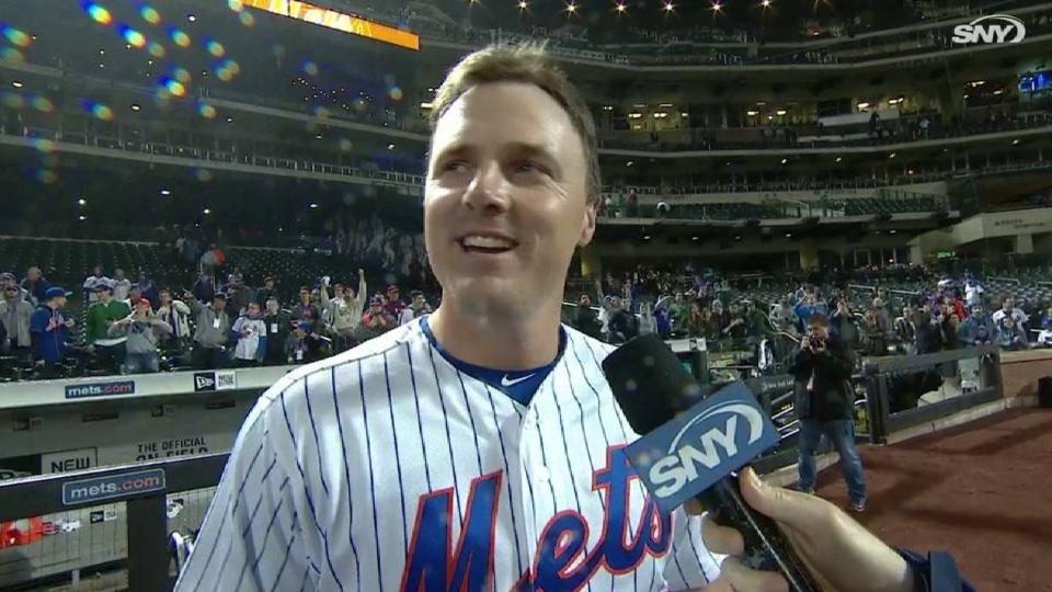 Bruce on walk-off in extras