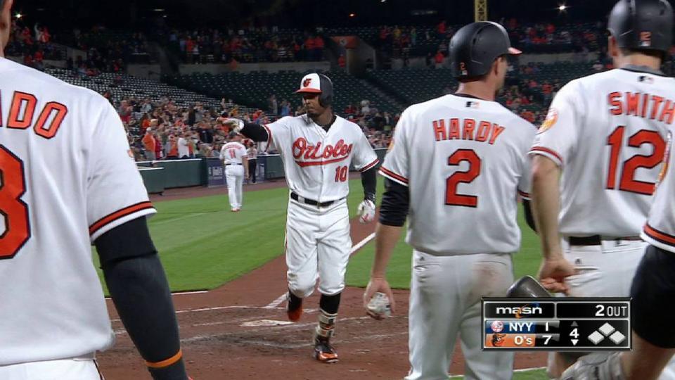 Jones' three-run home run