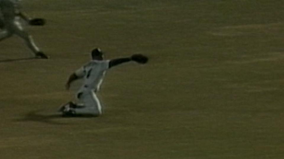 Griffey falls, throws out Pudge