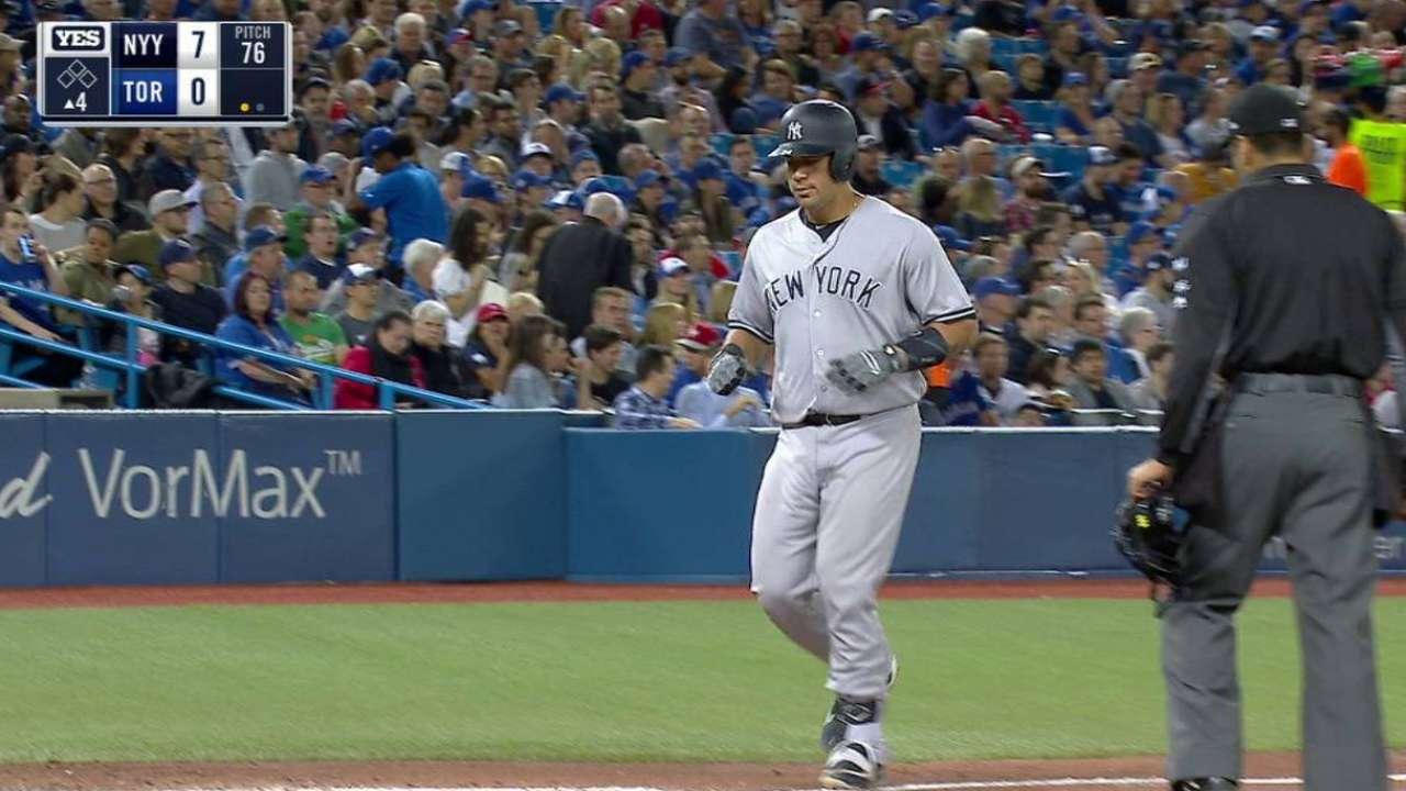 Sánchez batea 2 bambinazos y Yankees aplastan a los Azulejos