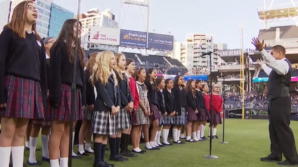 5/19/17: Choir sings anthem