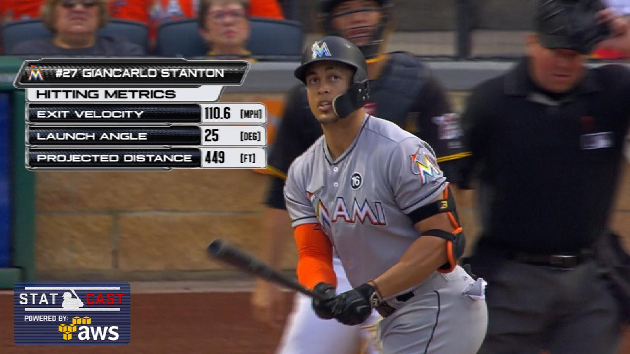Giancarlo Stanton Homers Off Center Field Batter S Eye In Pittsburgh