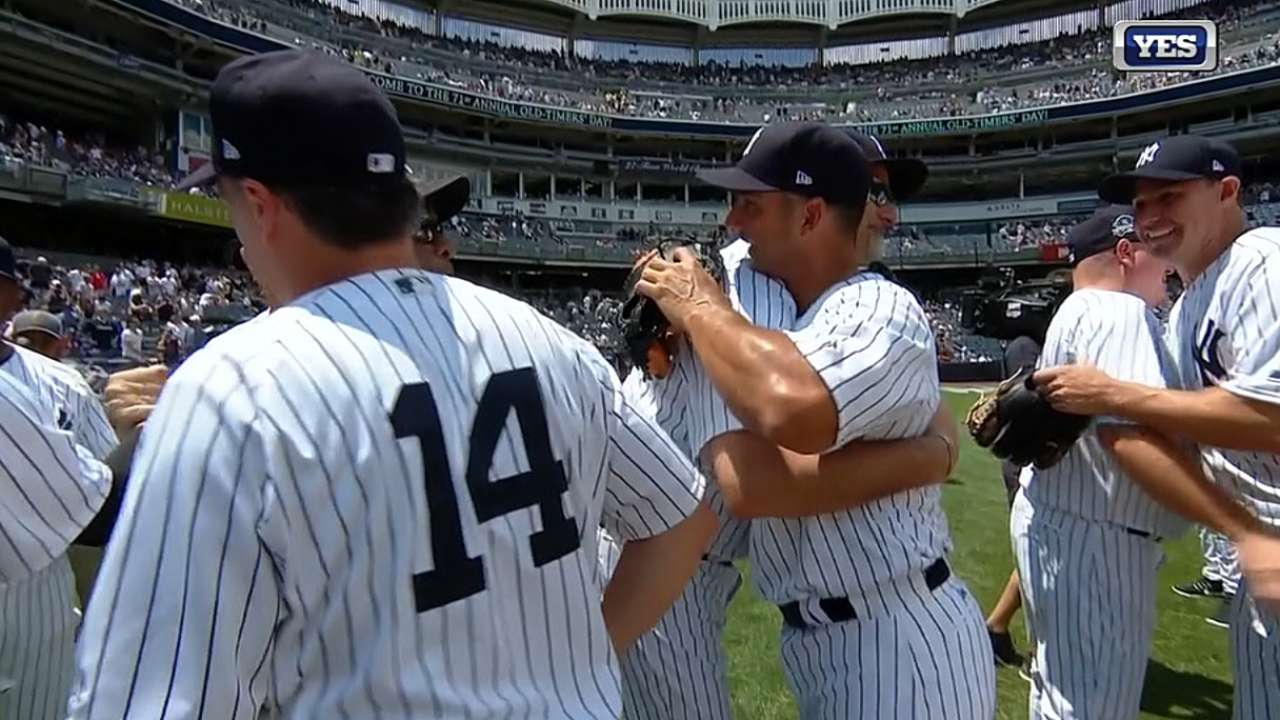 Former Yankees Enjoy 71st Old Timers Day This Arrangement Will Act As A Timer You Can Control The Time By