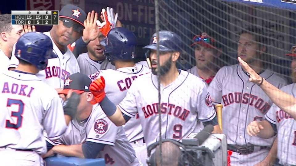 Correa's three-run homer