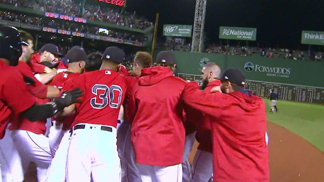 Chapman falla de nuevo y Boston remonta en la 9na ante Yankees