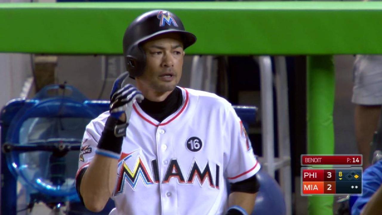 Ichiro Suzuki pes Rickey Henderson in hits   MLB.com