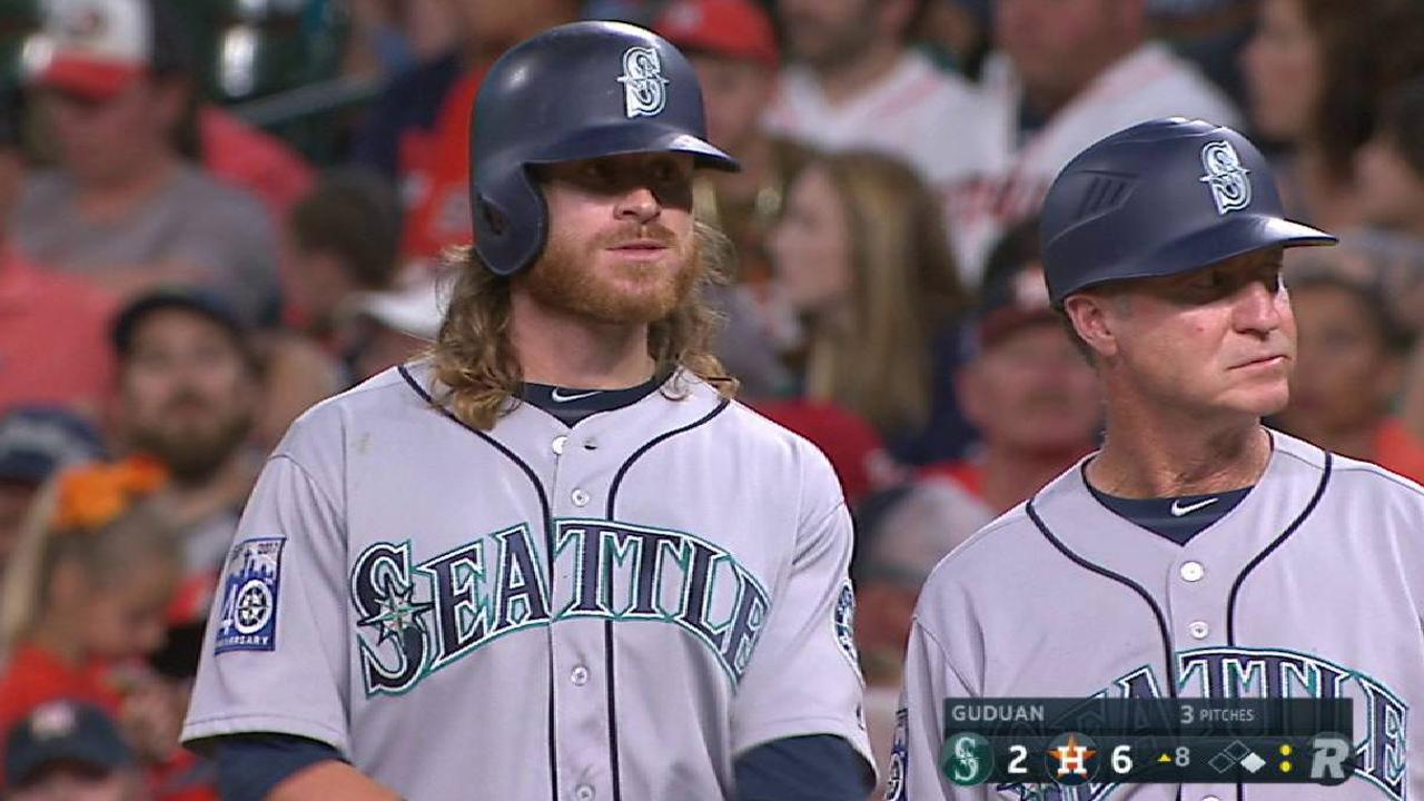 0d107990e294f Mariners  win streak snapped in Houston