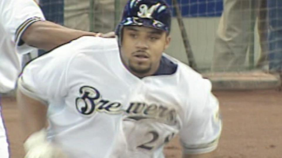 Brewers' five-homer 4th inning