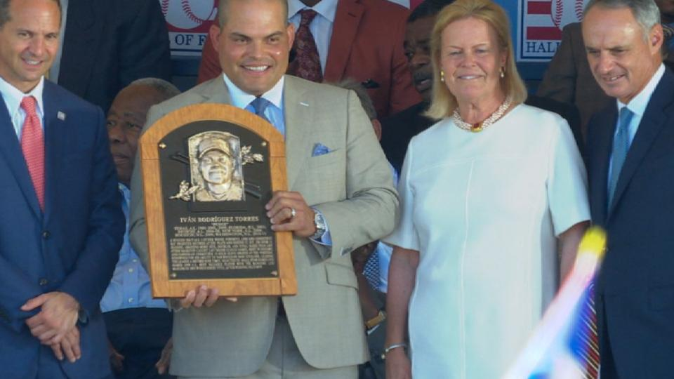 Manfred recites Pudge's Plaque