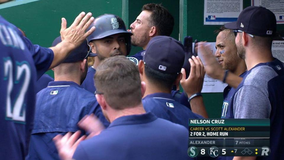Cruz's solo home run