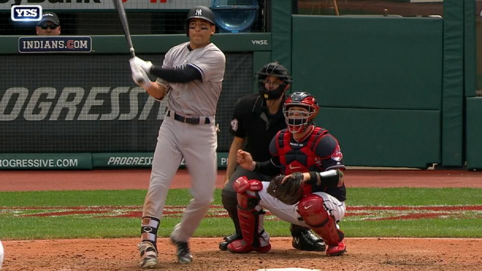 Ellsbury pone arriba a Yankees