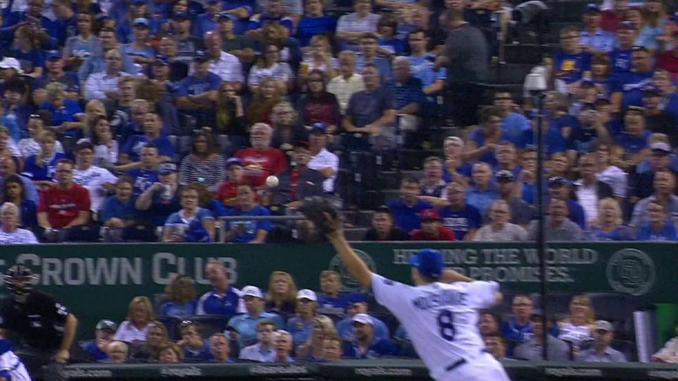 Moustakas snags a line drive