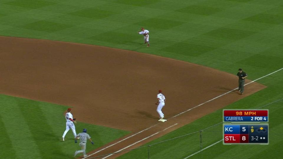 Wong's diving play secures win