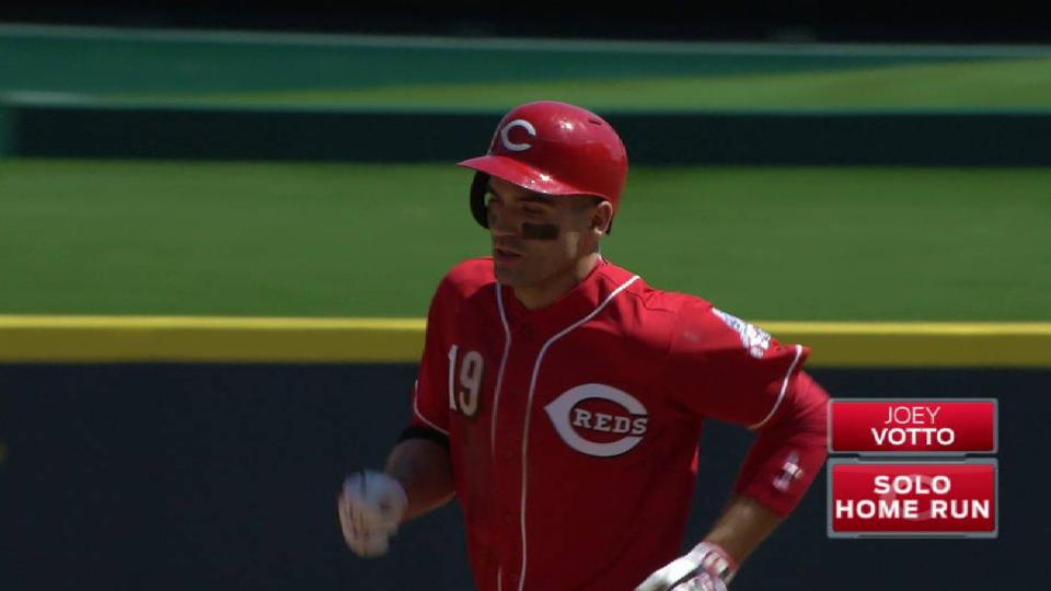 Votto's solo home run