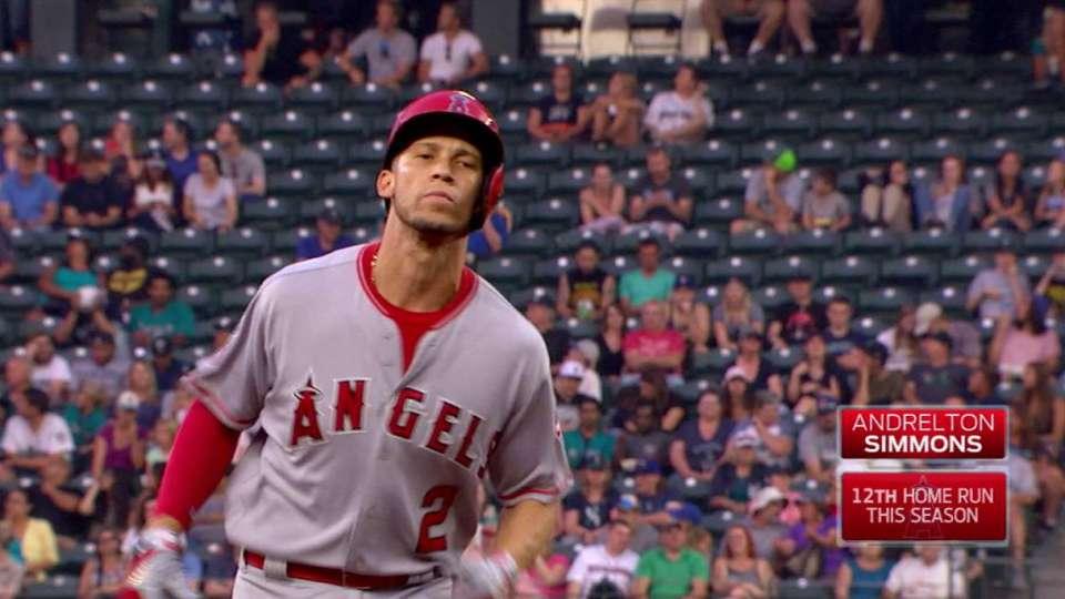 Simmons' two-run home run