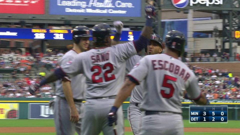 Rosario's three-run homer