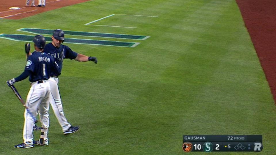 Zunino's solo home run