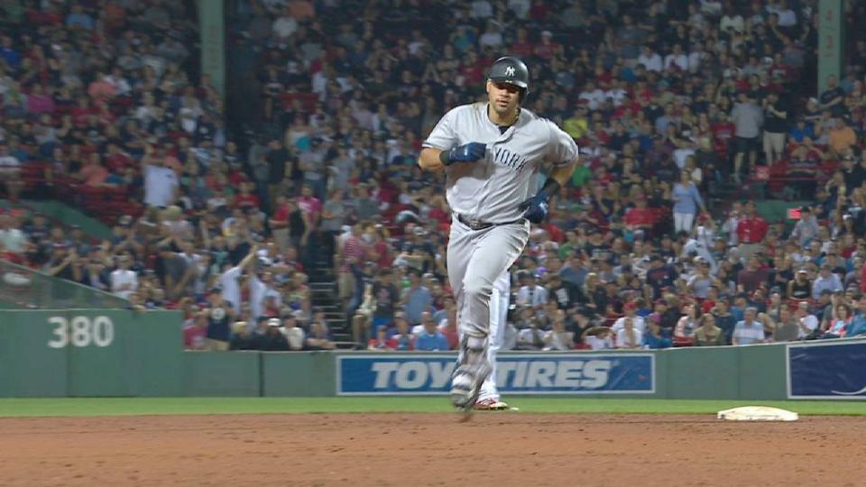 Sanchez's game-tying solo homer