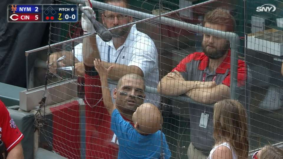 Votto homers, makes fan's day