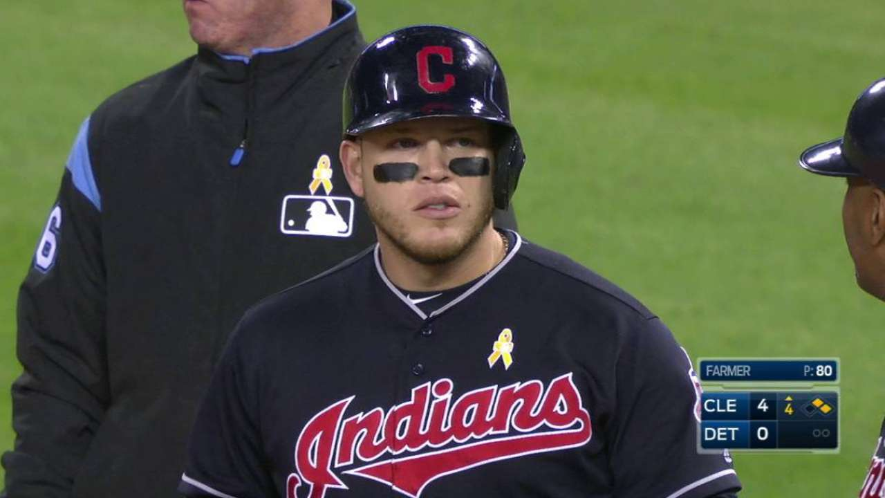 Indians  Roberto Perez on hot streak at plate  a305ebc1c