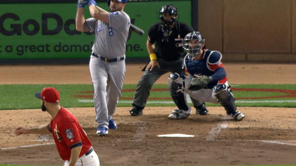 Moustakas ties Royals HR record