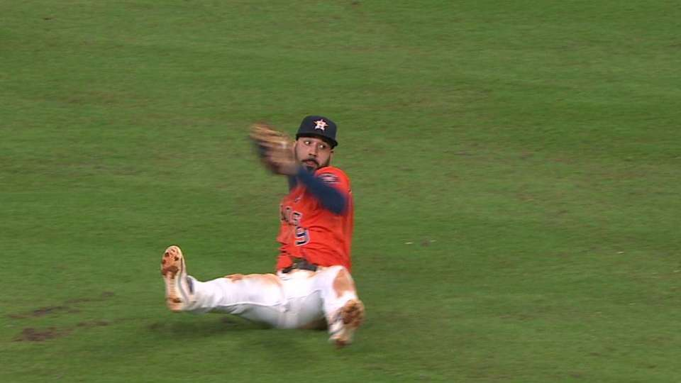 Gonzalez's great play at second