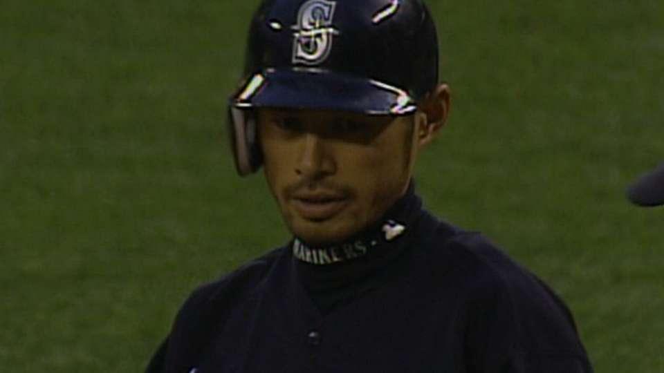 Ichiro's 2,000th career hit
