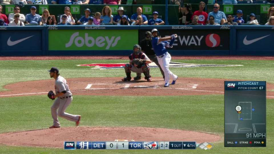 Hernandez's two-run home run