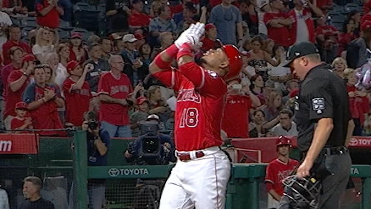 Angelinos arman ataque tempranero para aplastar a Astros