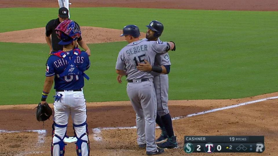 Seager's line-drive two-run HR