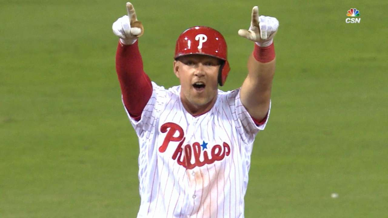 Hoskins, con 4 impulsadas, lidera triunfo de Filis sobre Dodgers