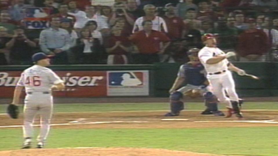 McGwire hits home run No. 62