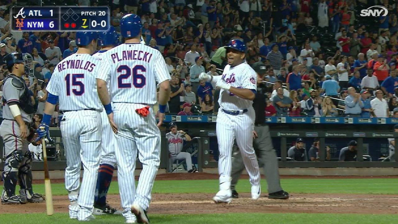 Mets exploring first base depth via trade fa mlb smiths three run homer kristyandbryce Gallery