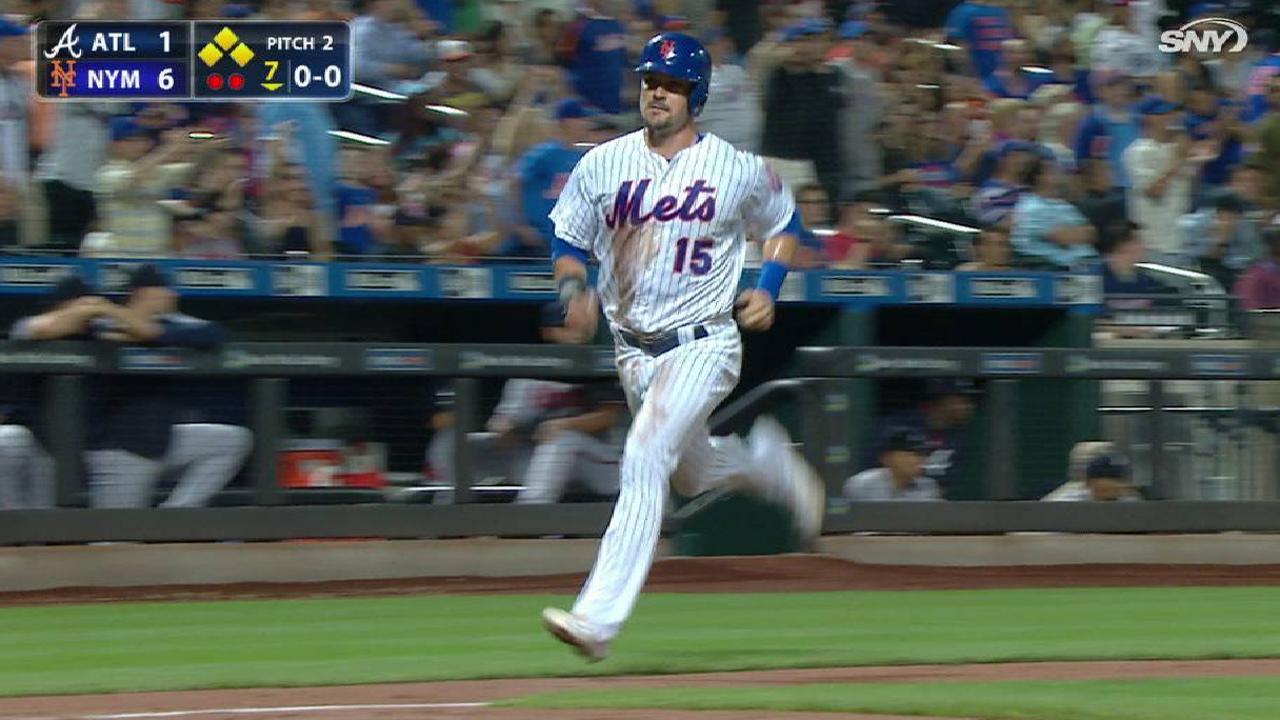 Mets triunfan ante Bravos en el último juego del año como local