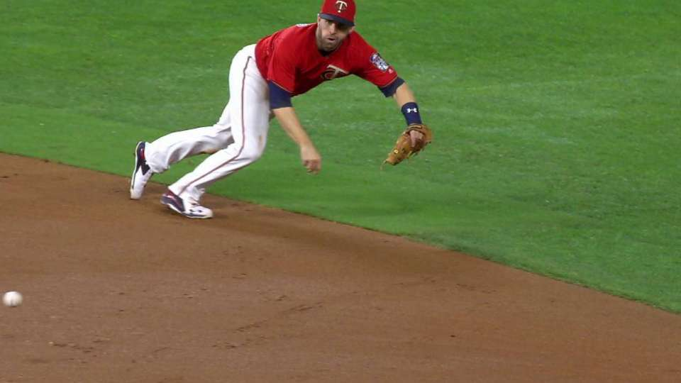 Dozier's incredible diving play