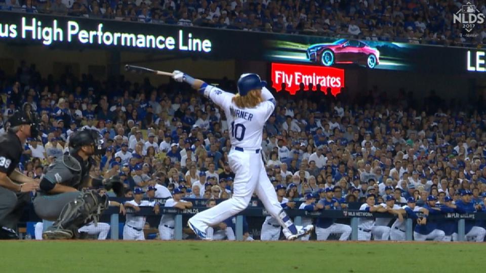 Turner le da ventaja a Dodgers