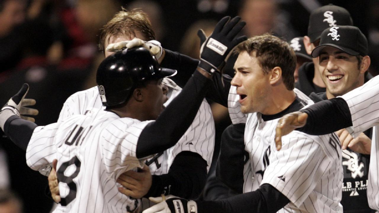 White Sox win Game 2 | 10/13/2005