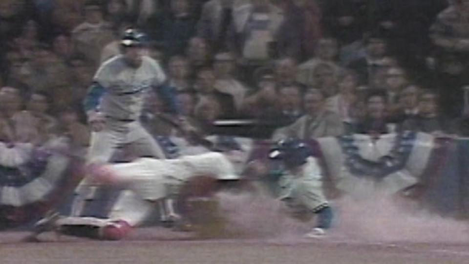 Rivers nails Garvey at the plate