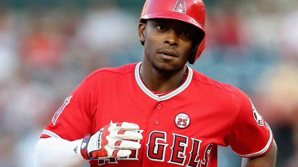 Upton, Angels agree to extension